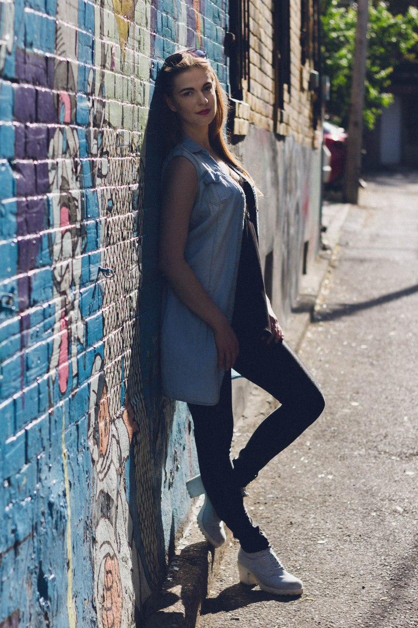 model, toronto, graffiti, pose, contrast, silhouete, fashion, portrait