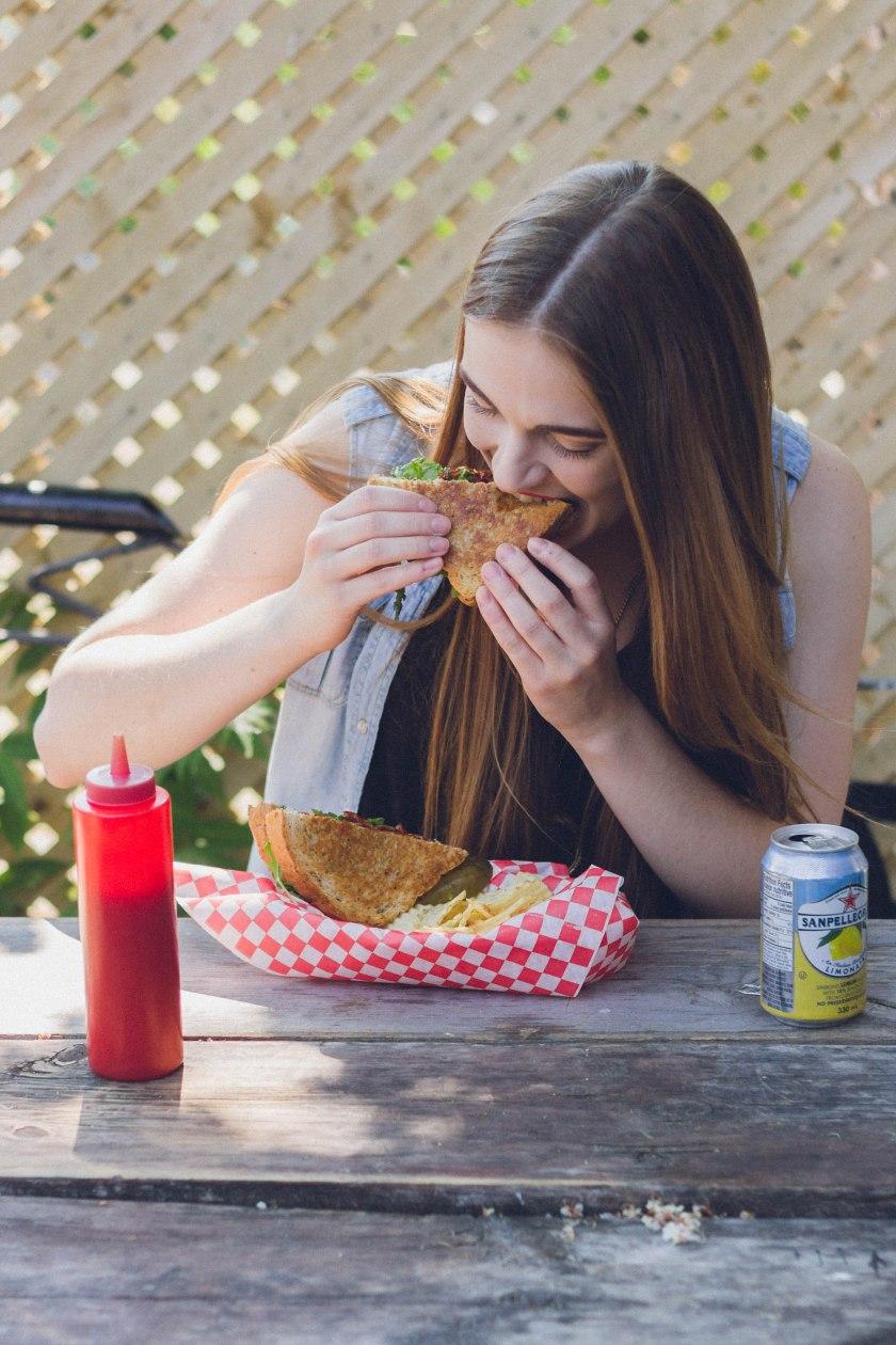 model, toronto, kensington market,  fashion, portrait, the grilled cheese, restaurant, eating, food